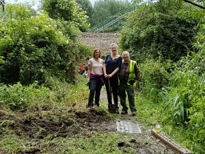 Footpaths Group Clearing the Way Again